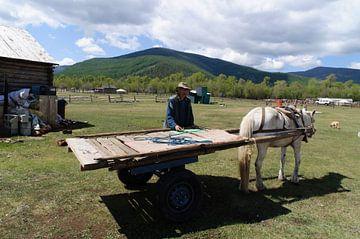 nomade bij wagen van Robert Lotman