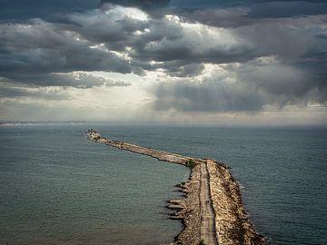 Die kilometerlange Seebrücke von Kollam in Indien von Rik Pijnenburg