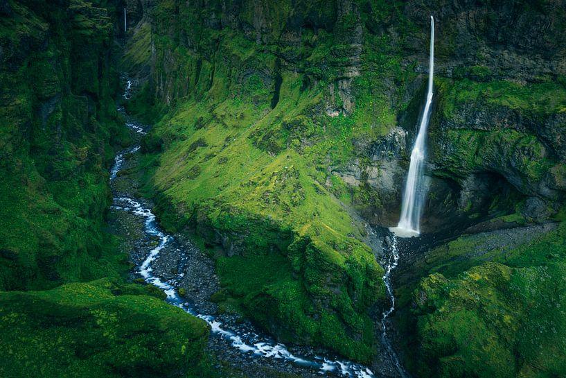 Waterfall valley von Sven Broeckx