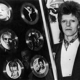 David Bowie erhielt 1974 sechs goldene Schallplatten von Bridgeman Images
