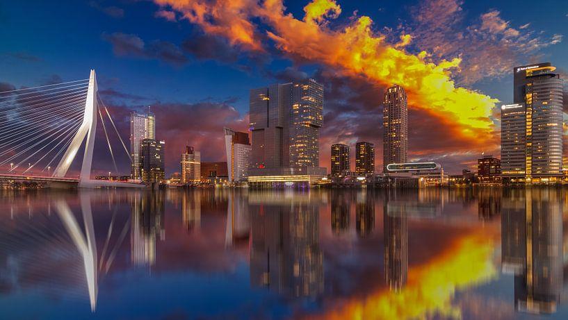 Rotterdam Sunset van Robert Stienstra
