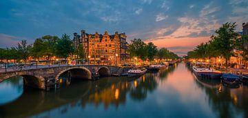 Amsterdam am Schnittpunkt der Prinsengracht und der Brouwersgracht