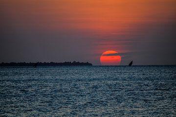 Zonsondergang  Pemba eiland in Tanzania van