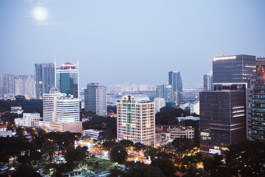 Uitzicht over Ho Chi Minh City, Vietnam van Milou Oomens