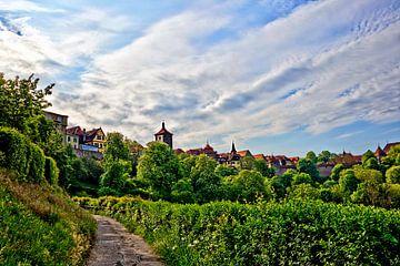 Vue de Rothenburg depuis le sentier de randonnée Burggarten sur Roith Fotografie