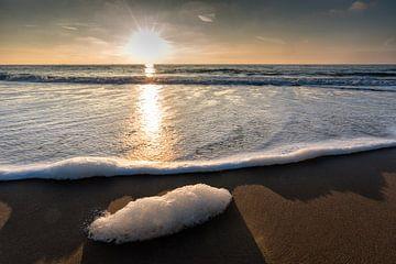 Sunset at the beach von Paul Algra
