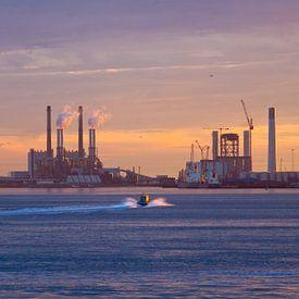 Sonnenuntergang Maasvlakte von Guido Akster