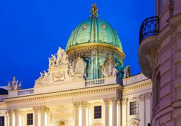 La vieille Hofburg à Vienne le soir sur Werner Dieterich