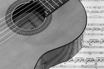 Gitarre auf Notenpapier von Esther's Photos