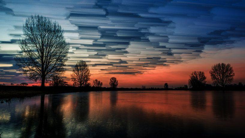 Painted sky (16:9) van Lex Schulte