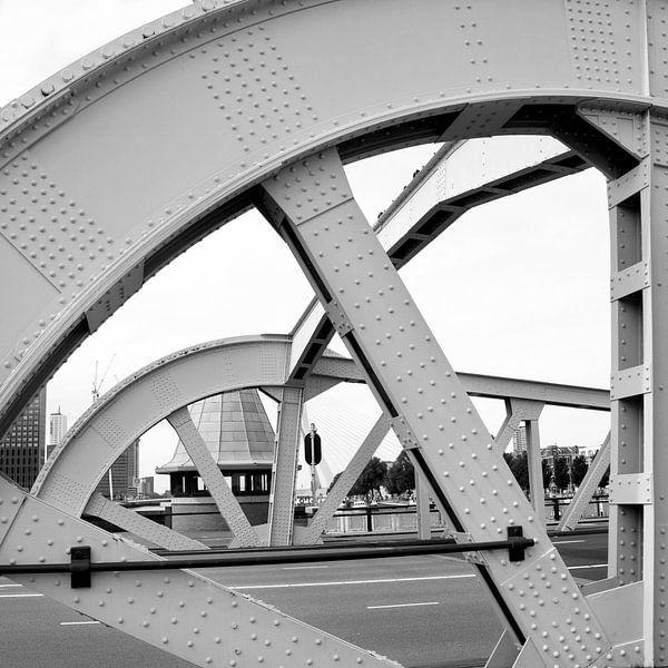 Konininnenbrug Rotterdam in detail