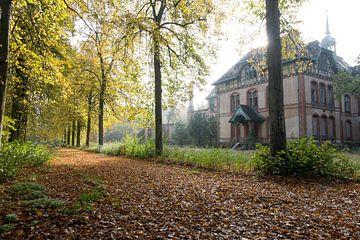 Abandoned female sanatorium von Matthijs Dijk
