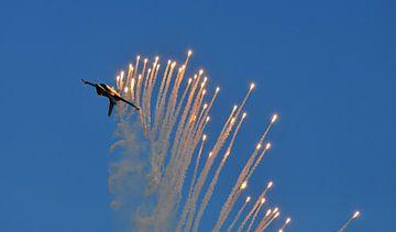 F-16 met flares van