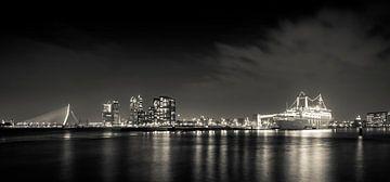 Rotterdam by night panorama von Studio Wanderlove
