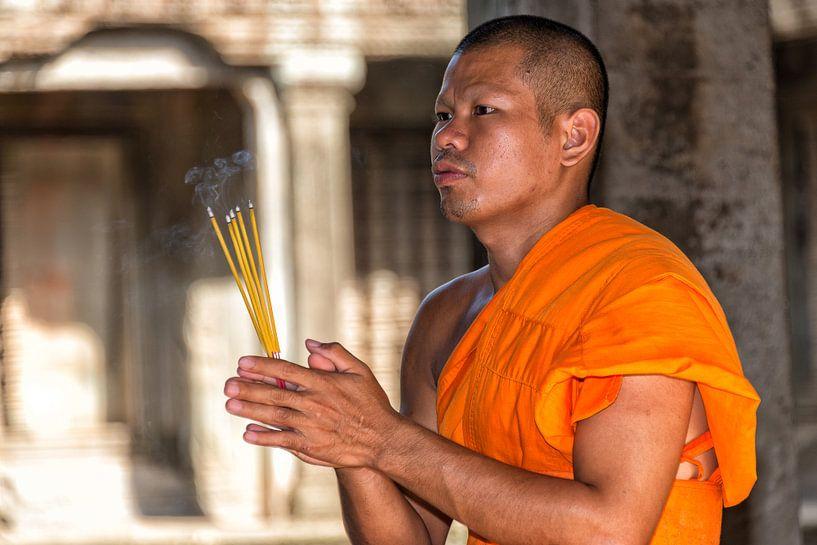 Monnik in Angkor Wat van Richard van der Woude