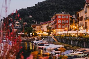 Abend in Cannobio am Lago Maggiore von W Machiels