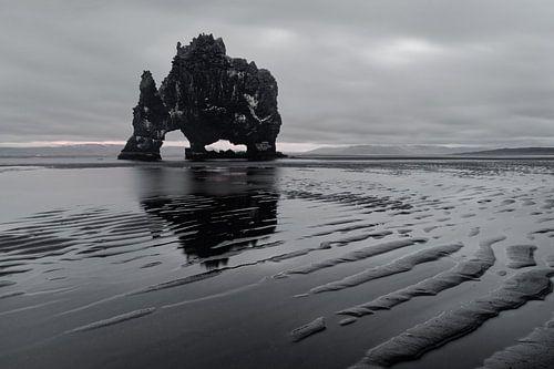 Island - Felsformation Hvitserkur von Ralf Lehmann