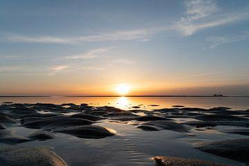 Zonsondergang Strand van Noordwijk van Jeanette van Starkenburg