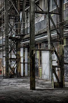 Oude verlaten fabriek van Yvonne Smits