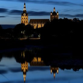 De Sint Jan van Den Bosch bij avond sur Jasper van de Gein Photography