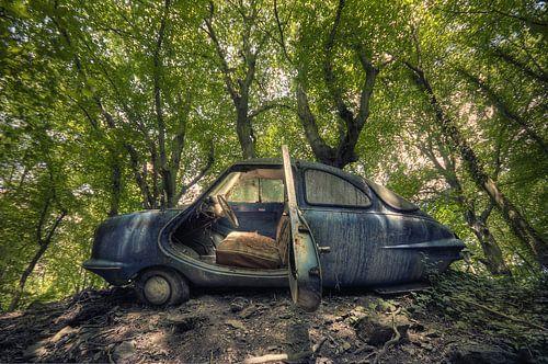 Urbex - Auto in het bos van