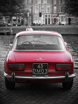 Red Alfa Romeo van Stephan Smit