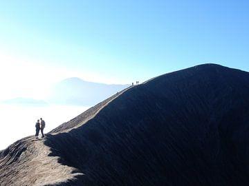 On a volcano van Christine Volpert
