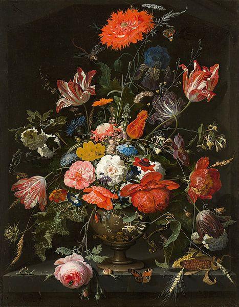 Bloemen in een metalen vaas van Diverse Meesters