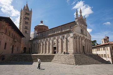 Kerk in Massa Marittima, Toscane. van Rens Kromhout