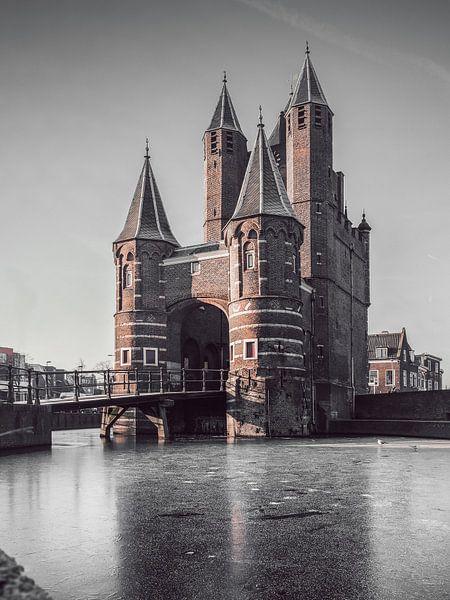 Haarlem: Amsterdamse Poort bevroren. van Olaf Kramer
