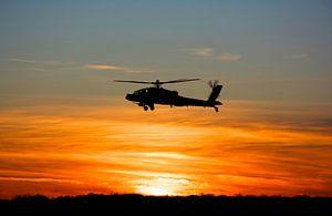 AH 64D Klu Deelen zonsondergang van