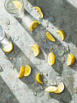 Pression d'un citron sur Isa Blom