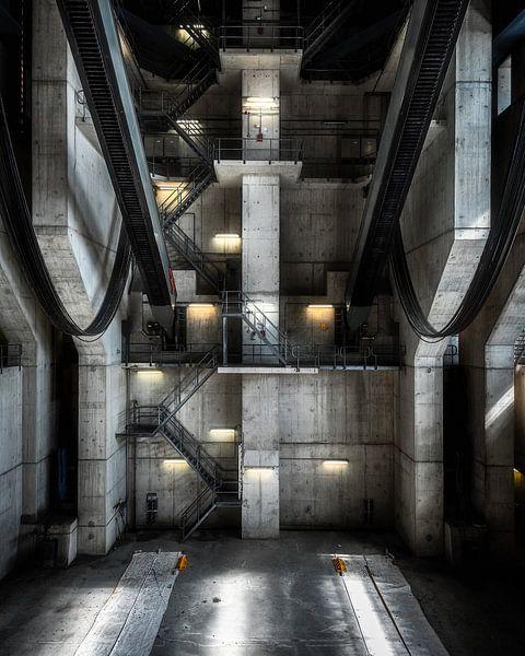Basculekelder Van Brienenoordbrug Rotterdam van Niels Dam