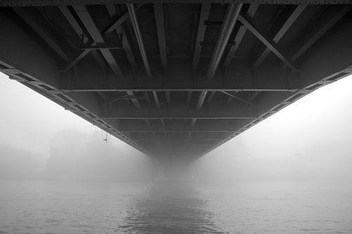 Bridge to nowhere van Marco de Groot