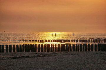 Zoutelande zonsondergang von Angela Wouters