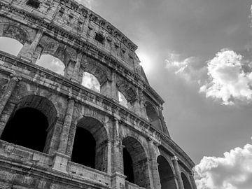 Italie, Rome. Le soleil coche le Colisée. sur Henk Van Nunen