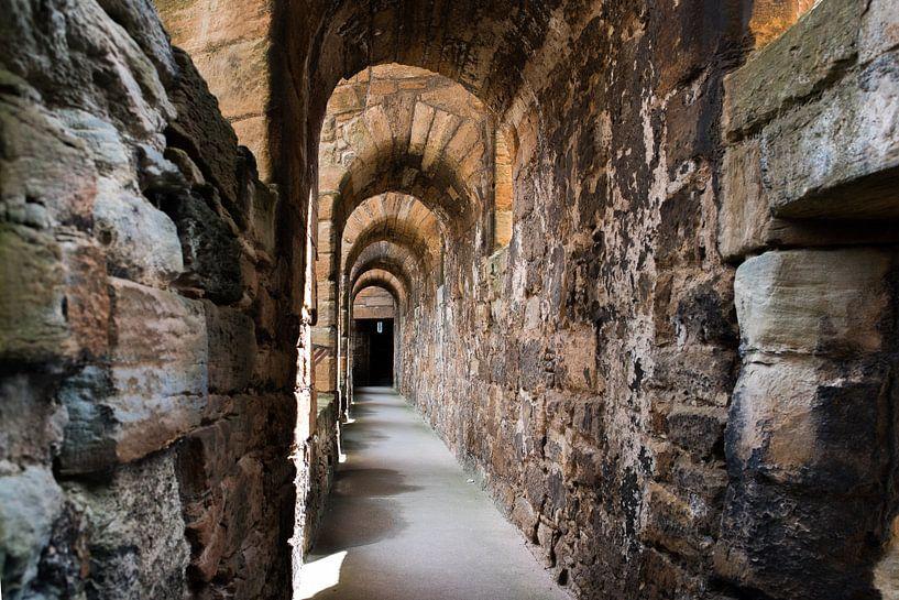Schotland, Linlithgow Palace-zon in de gang von Cilia Brandts
