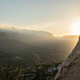 Goldenes Abendlicht im Gebirge von Montepuro