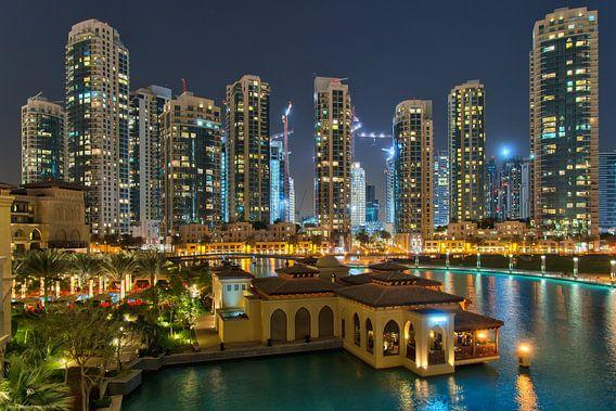 Dubai apparments near Burj Khalifa van Bob de Bruin