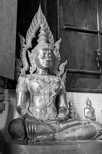 Boeddha beeld in Thaise tempel. van