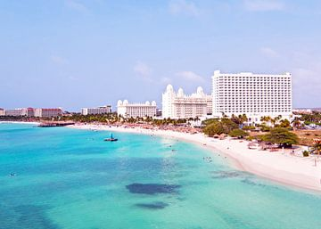 Luftaufnahme von Aruba in der Karibik von Nisangha Masselink