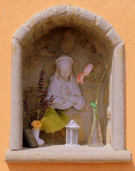 Maria beeldje.