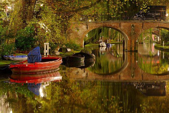 Oudegracht in Utrecht met Geertebrug van Donker Utrecht