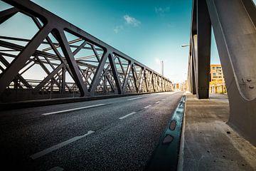 Perspectief van een brug van Wim Brauns
