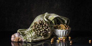 Still life with green asparagus sur Monique van Velzen