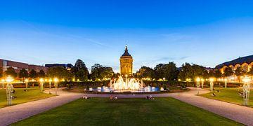 Friedrichsplatz à Mannheim la nuit sur Werner Dieterich
