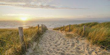 Zon, zee en strand aan de Hollandse kust van Dirk van Egmond