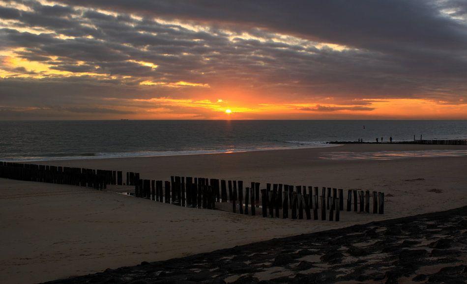 Laatste daglicht op het strand van Zoutelande