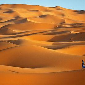 Erg Chebbi woestijn nabij Merzouga, Marokko van Henk Meijer Photography