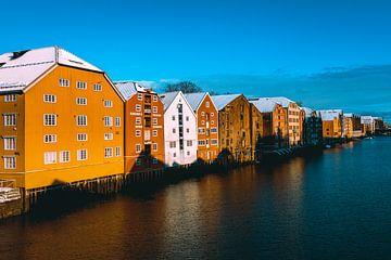 Gekleurde huizen in Tronheim, Noorwegen van MdBfotos